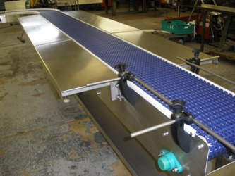 modular belt conveyor with removable side tables
