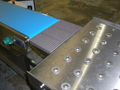 conveyor transfer to ball table photo