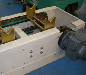 Chain Conveyor with V Holder