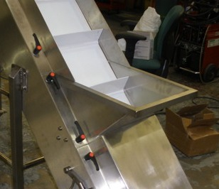 elevating Conveyor for Flabjacks