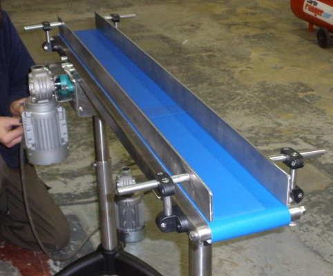 Small belt conveyor photo