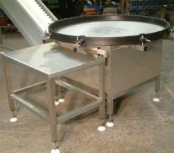 Rotary table with Small Incline Conveyor